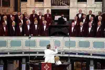 Stoke-on-Trent MVC and Biddulph MVC singing with Bob Slinn conducting